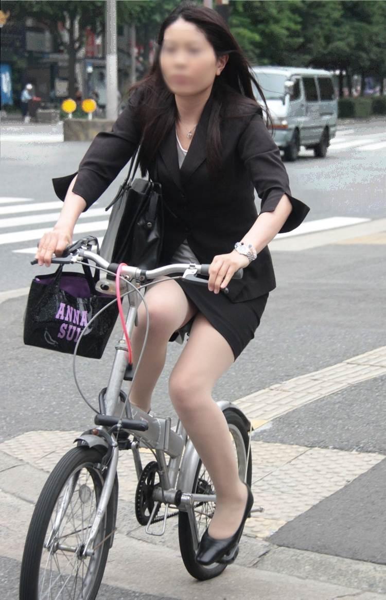 OL_タイトスカート_自転車_盗撮_エロ画像05