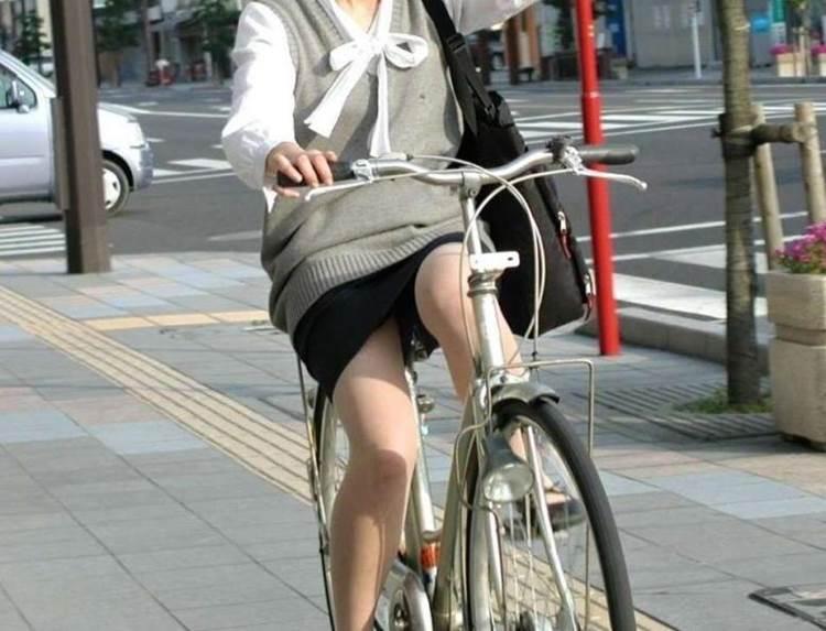 OL_タイトスカート_自転車_盗撮_エロ画像12