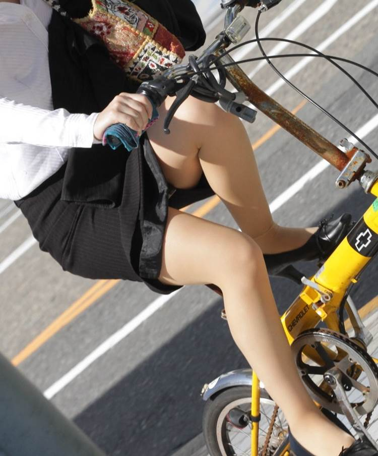 OL_タイトスカート_自転車_盗撮_エロ画像18