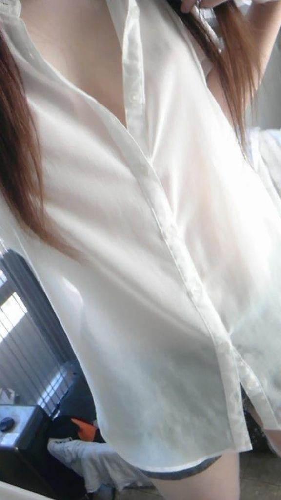素人_Yシャツ_貧乳_自撮り_エロ画像05