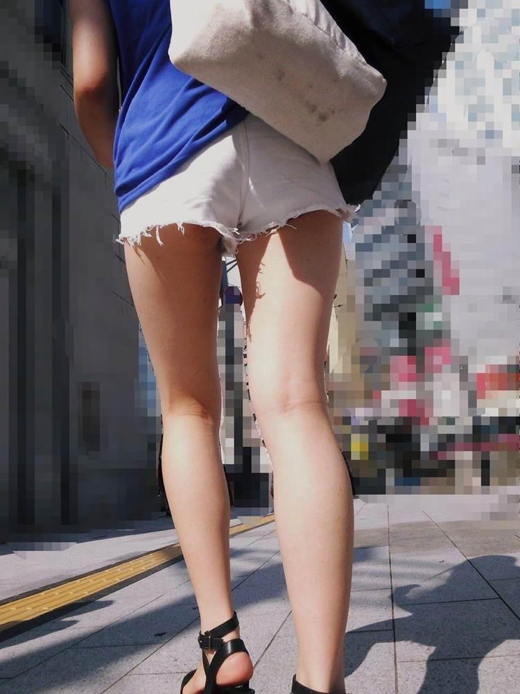 白ホットパンツ_街撮り_盗撮_エロ画像17
