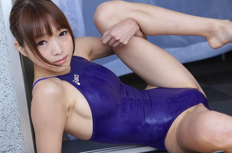競泳水着_濡れ_テカテカ_エロ画像02