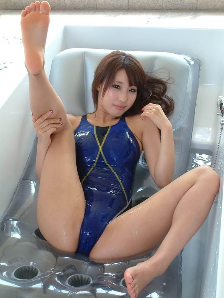競泳水着_濡れ_テカテカ_エロ画像12