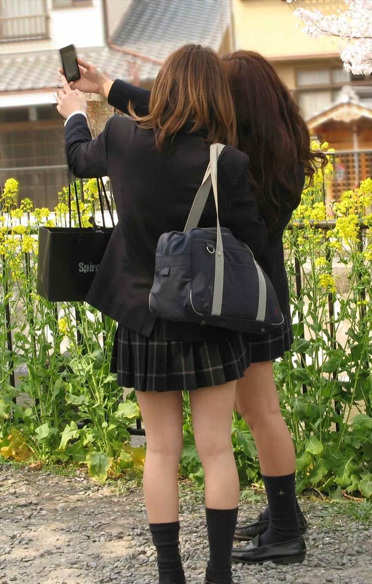 JK_春_ミニスカート_街撮り_盗撮_エロ画像02