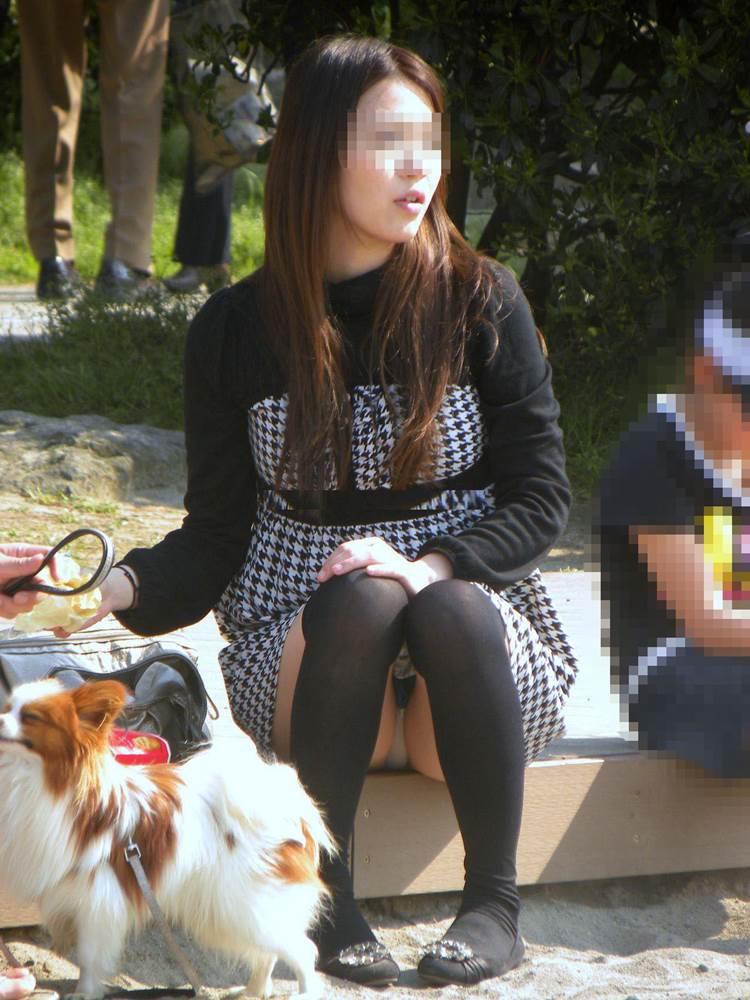 素人ママ_座りパンチラ_盗撮_エロ画像05