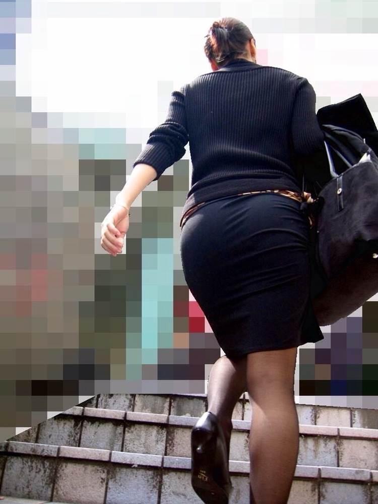 OL_タイトスカート_階段_盗撮_エロ画像10