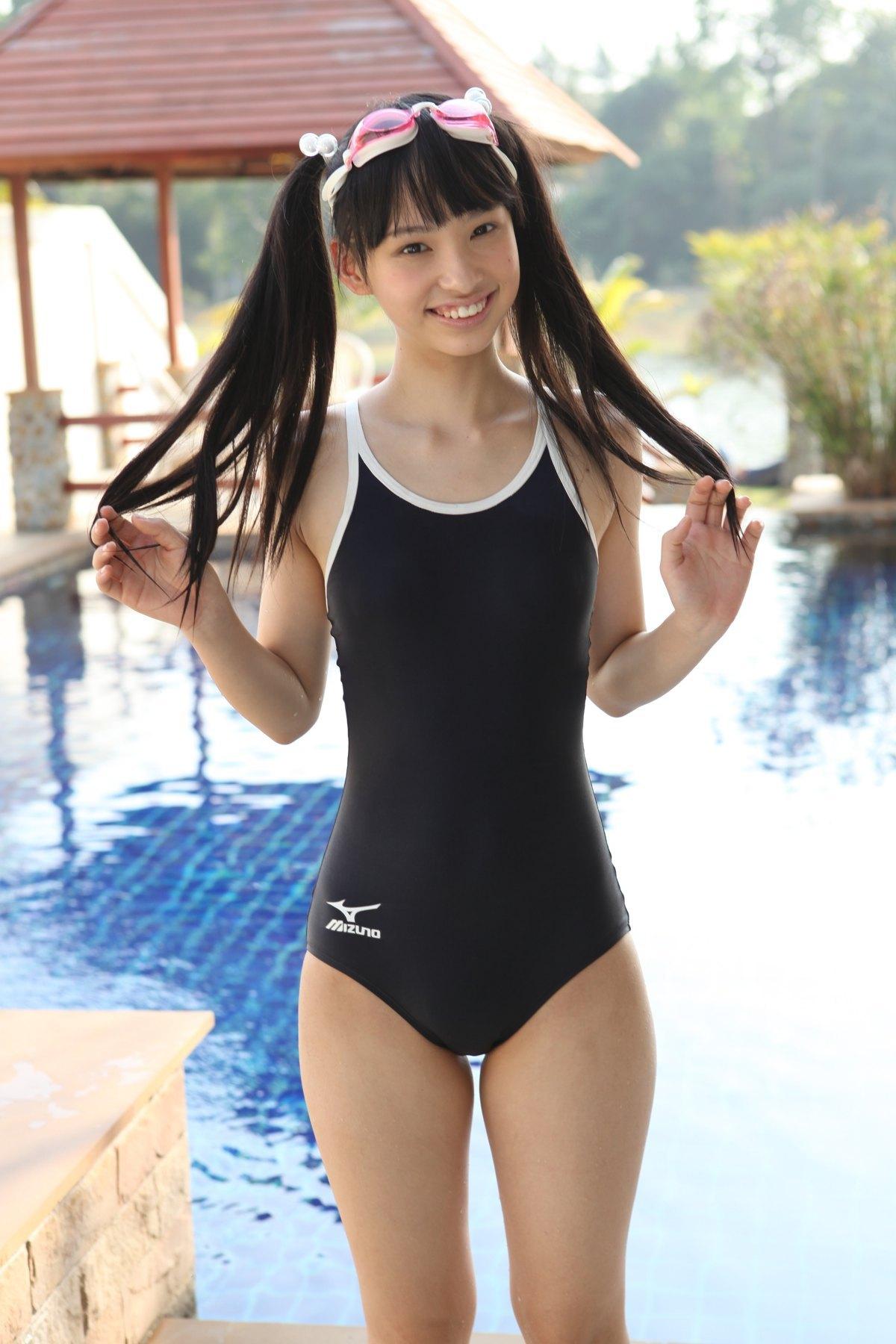 ジュニアアイドル スクール水着