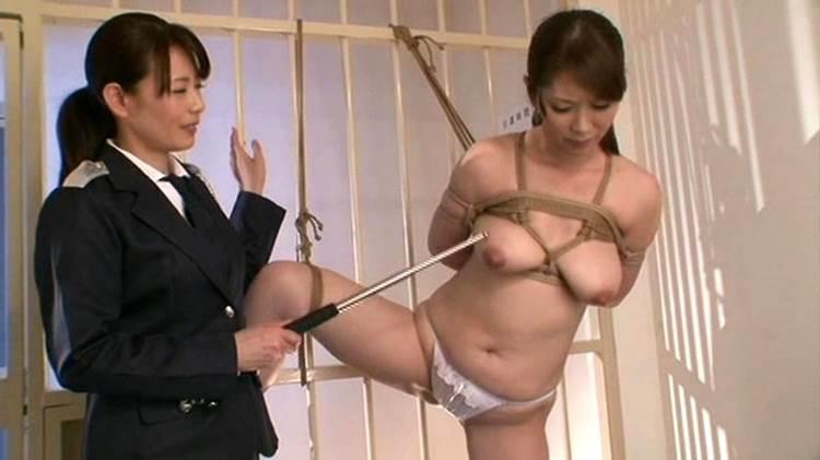 女囚_囚人_女看守_レズ_エロ画像04