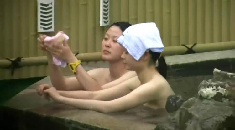 素人_露天風呂_高画質盗撮_エロ画像06