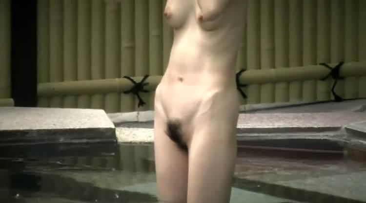 素人_露天風呂_高画質盗撮_エロ画像18