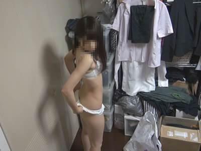 アルバイト_更衣室_着替え_盗撮_エロ画像08