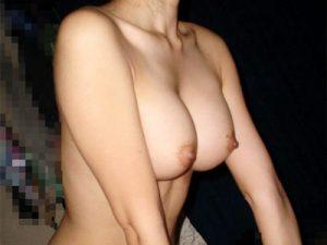 【巨乳素人エロ画像】初セックスでこの美巨乳を目の前にしたら即中出し妊娠させるレベルの彼女オッパイww