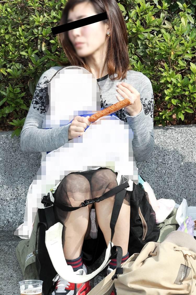 熟女_座りパンチラ_盗撮_エロ画像03