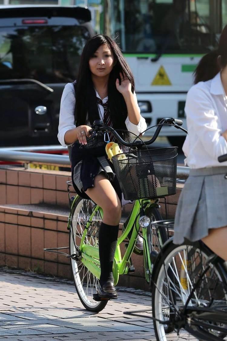 JK_自転車_街撮り_盗撮_エロ画像03