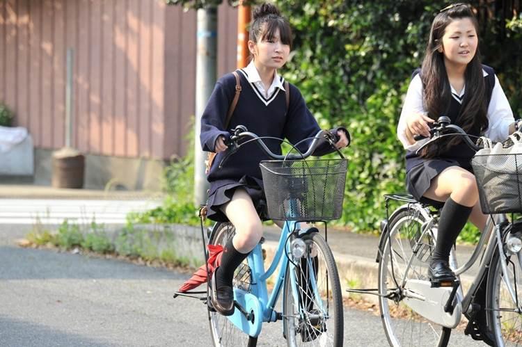 JK_自転車_街撮り_盗撮_エロ画像04