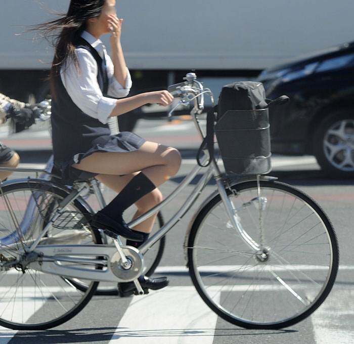 JK_自転車_街撮り_盗撮_エロ画像05