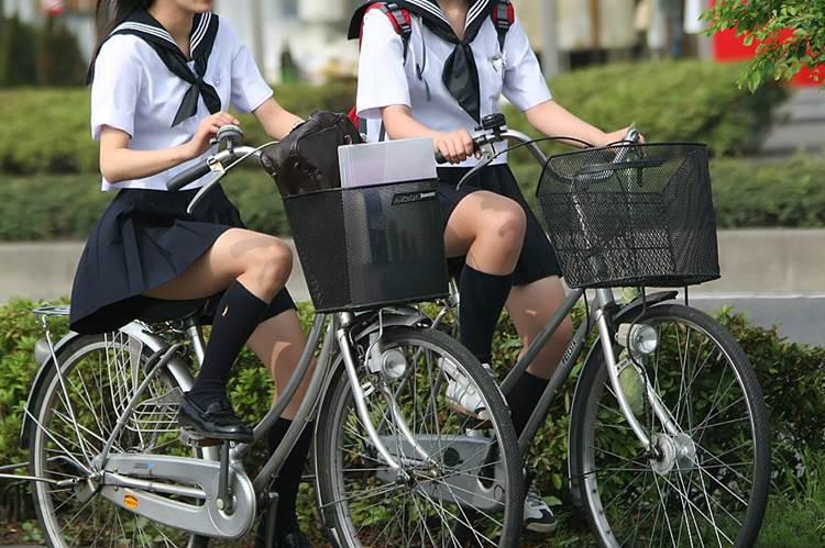JK_自転車_街撮り_盗撮_エロ画像07