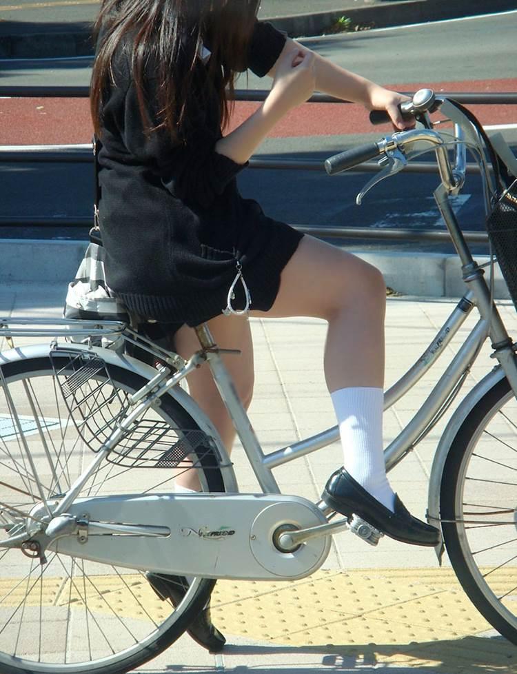 JK_自転車_街撮り_盗撮_エロ画像08
