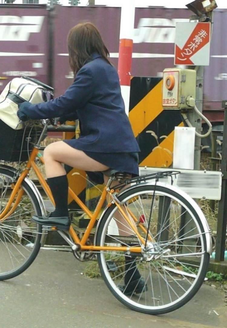 JK_自転車_街撮り_盗撮_エロ画像10