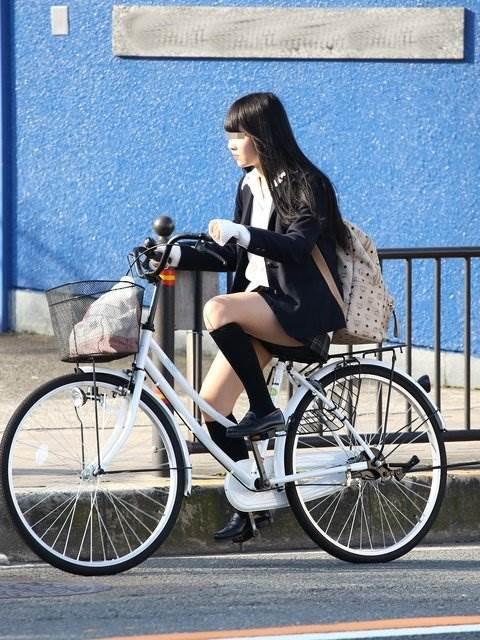 JK_自転車_街撮り_盗撮_エロ画像11