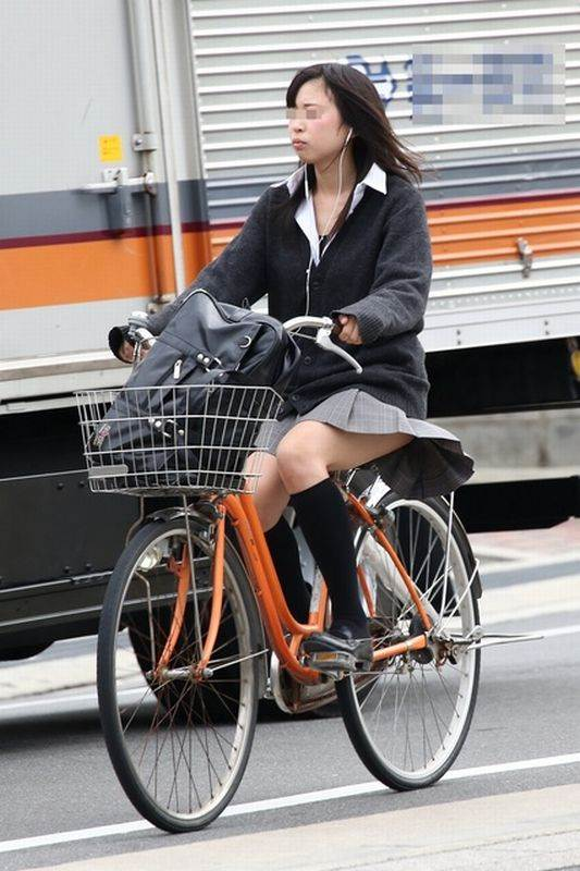 JK_自転車_街撮り_盗撮_エロ画像15