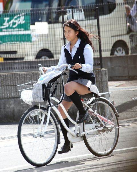 JK_自転車_街撮り_盗撮_エロ画像18