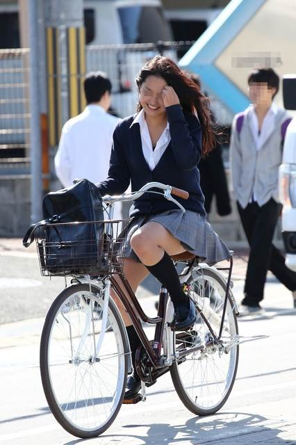 JK_自転車_街撮り_盗撮_エロ画像19