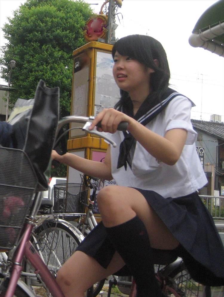 JK_自転車_街撮り_盗撮_エロ画像20
