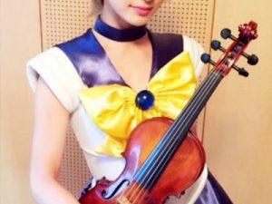 【Ayasaコスプレエロ画像】アニソンバイオリニストとして活躍する9頭身の美女レイヤーのコスが似合い過ぎるww