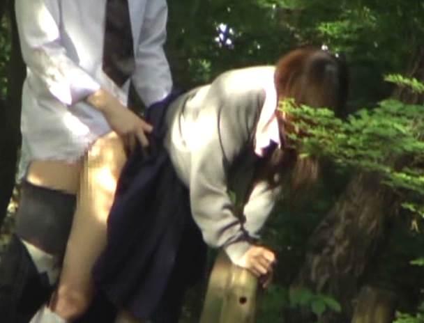 JK_青姦_盗撮_エロ画像09