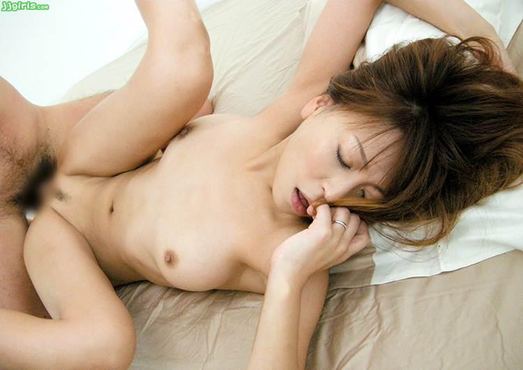 人妻_結婚指輪_不倫セックス_エロ画像09