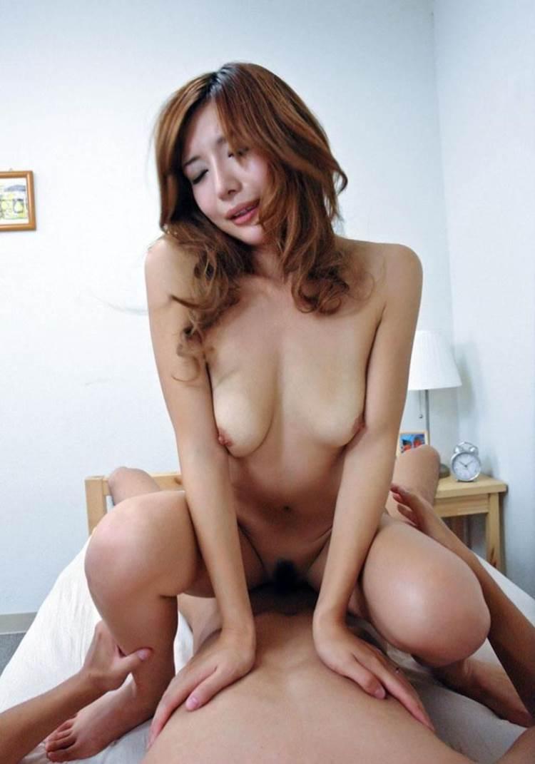 人妻_結婚指輪_不倫セックス_エロ画像17
