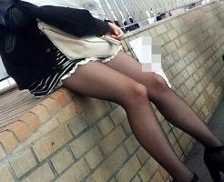 【黒パンスト街撮り盗撮エロ画像】真冬も自信たっぷりの美脚を露出…薄黒パンストを履いた素人女性を隠し撮りww