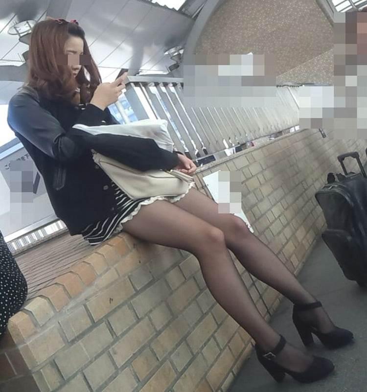 黒パンスト_冬服_素人_街撮り_エロ画像09