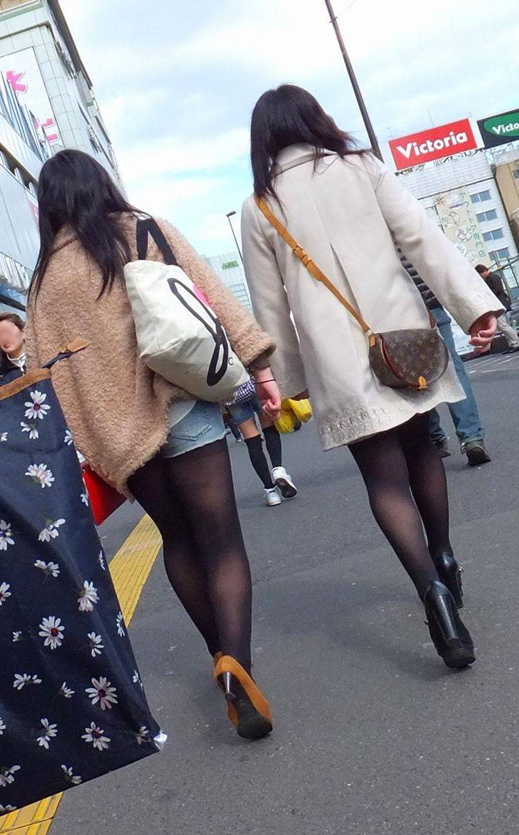 黒パンスト_冬服_素人_街撮り_エロ画像18