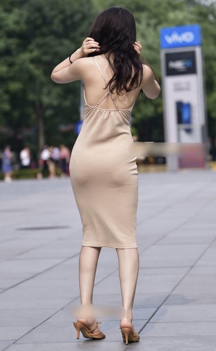 タイトスカート_ミニワンピース_街撮り_盗撮_エロ画像07