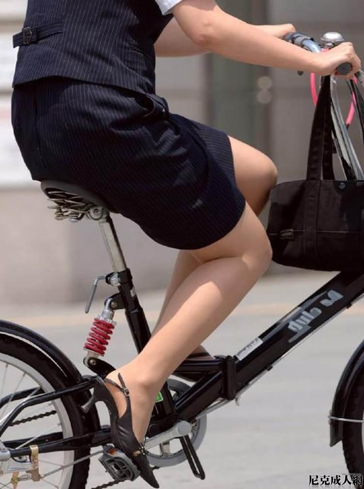 OL_スーツ_自転車_盗撮_エロ画像07