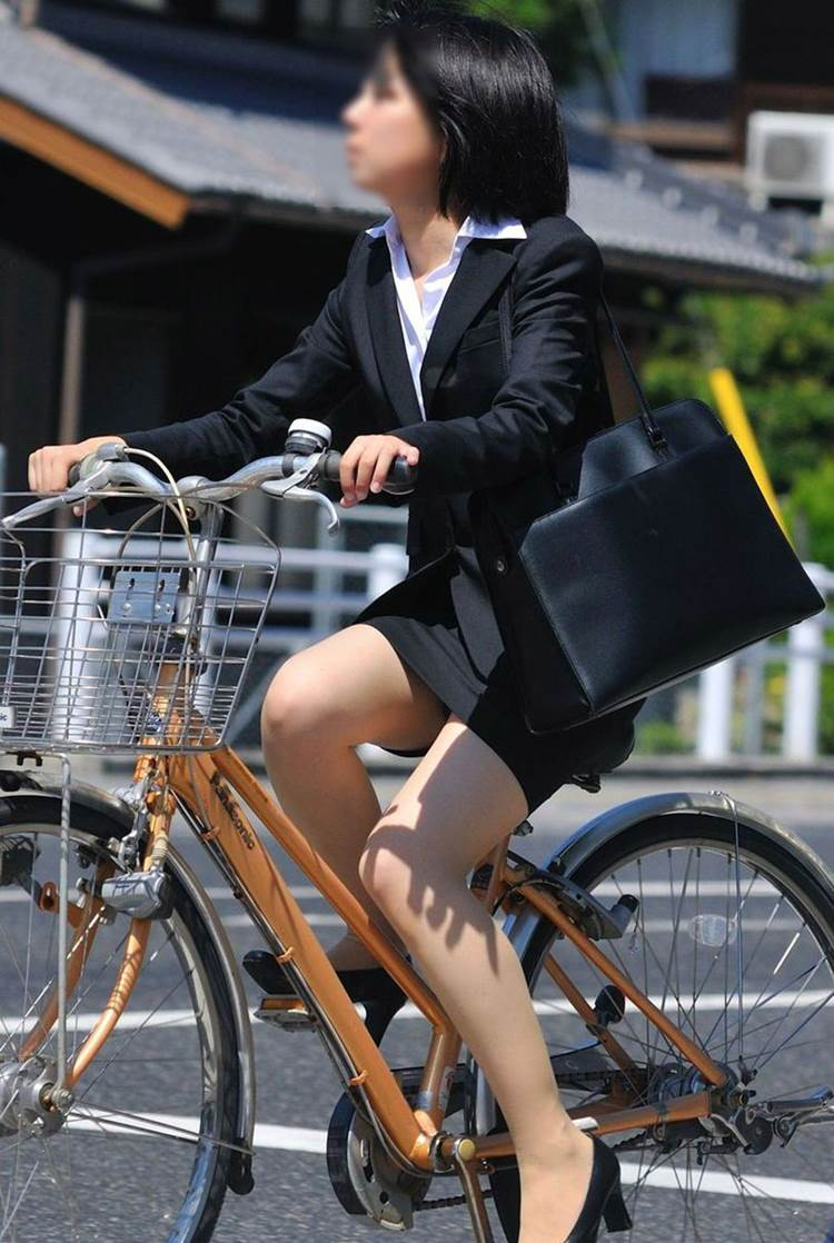 OL_スーツ_自転車_盗撮_エロ画像09