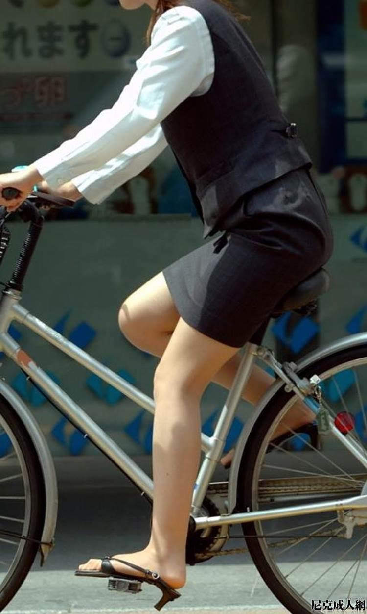 OL_スーツ_自転車_盗撮_エロ画像11
