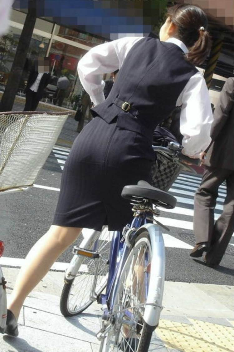 OL_スーツ_自転車_盗撮_エロ画像18