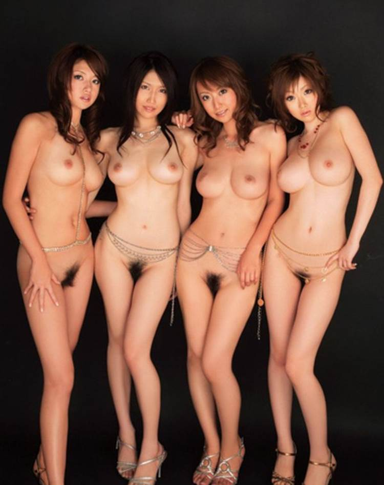 複数_巨乳_おっぱい_エロ画像06
