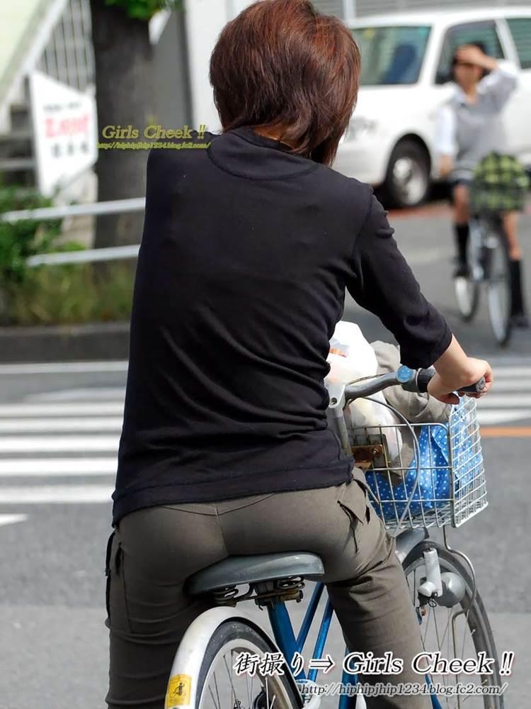 自転車_尻_盗撮_街撮り_エロ画像03