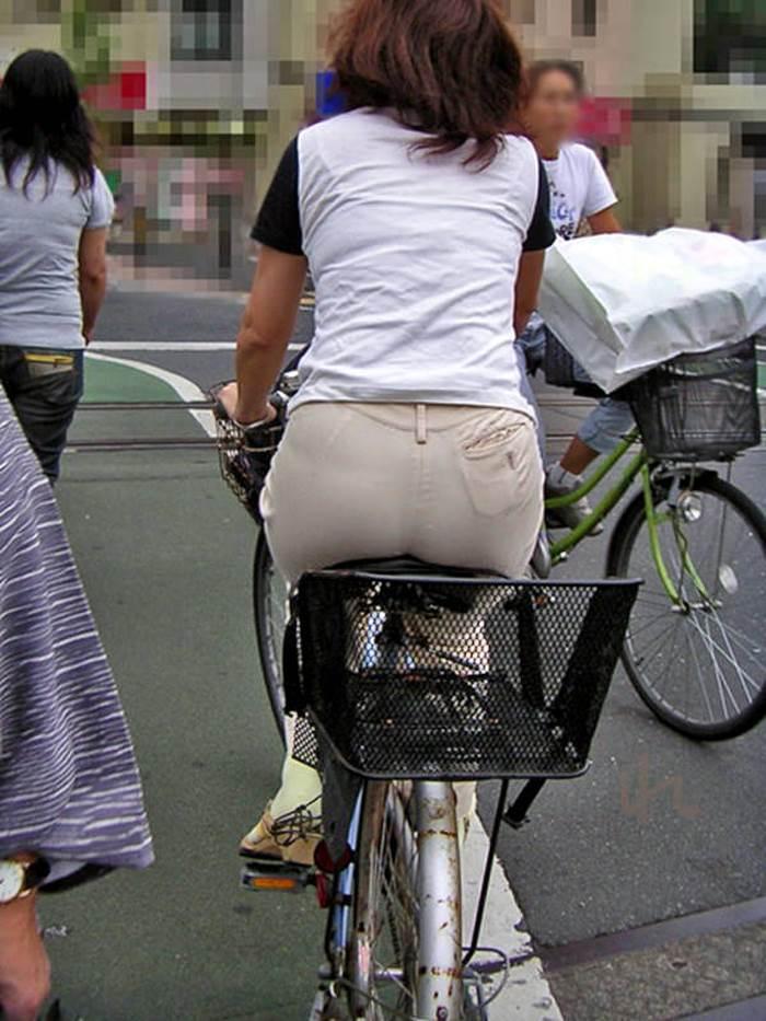 自転車_尻_盗撮_街撮り_エロ画像05