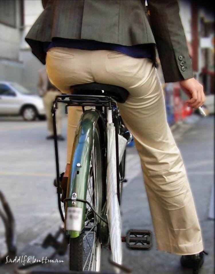 自転車_尻_盗撮_街撮り_エロ画像06