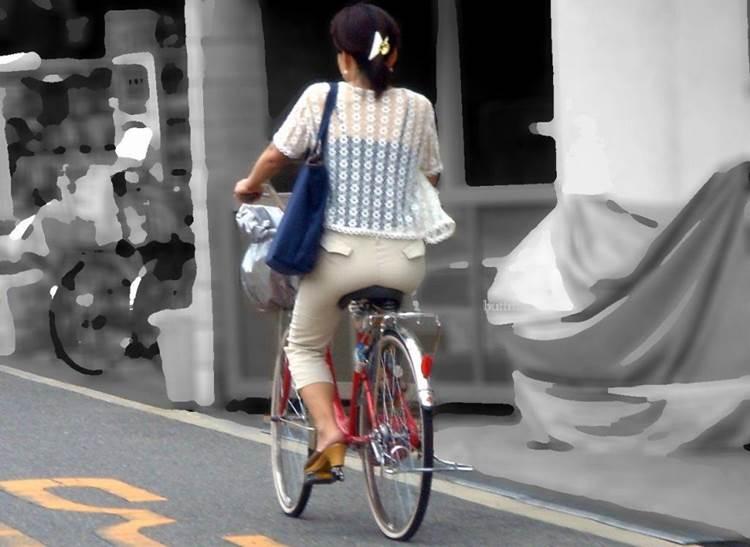 自転車_尻_盗撮_街撮り_エロ画像07