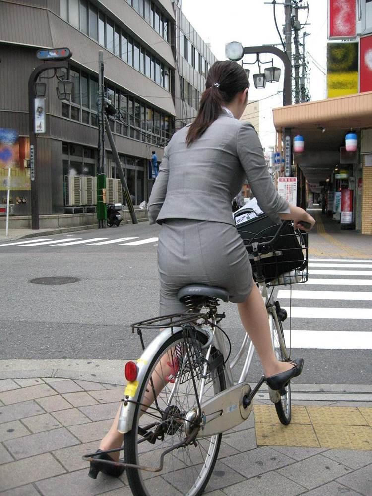 自転車_尻_盗撮_街撮り_エロ画像11