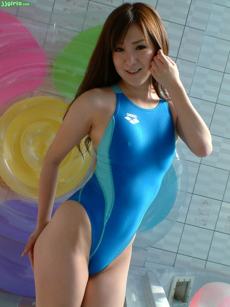競泳水着_乳首ポッチ_透け乳首_エロ画像09