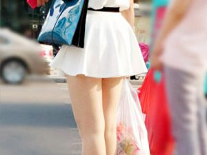 【ミニスカ街撮り盗撮エロ画像】2019年は北海道が常夏と呼ばれるほど気温が上昇…ミニスカ女子が全国に溢れるぞww