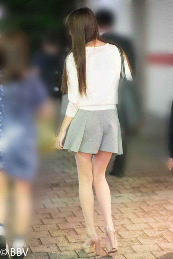 素人_ミニスカート_盗撮_2019年_エロ画像14