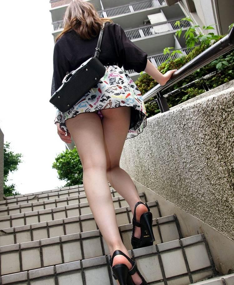 階段_パンチラ_盗撮_エロ画像06